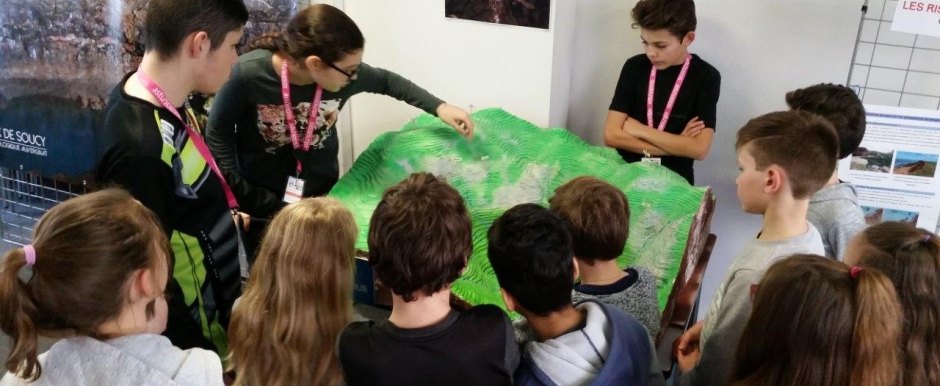 Le Club Atourisk du collège Albert Camus de Clermont Ferrand informe 200 élèves sur les risques majeurs